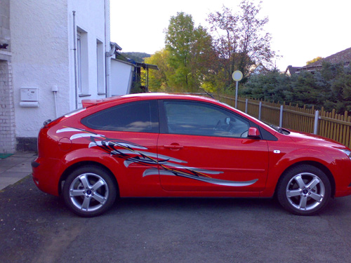 Ford_Focus_rot_re_10_08.jpg