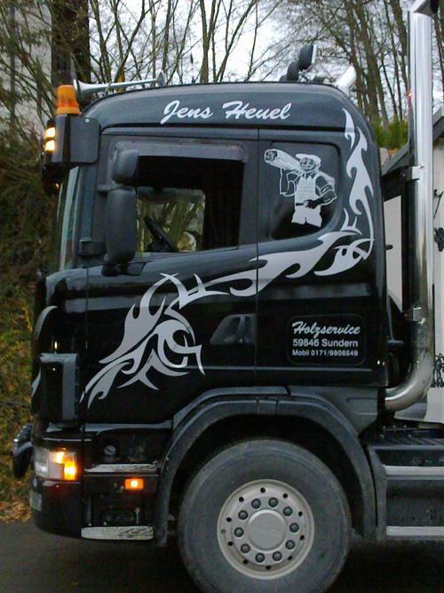 Scania_gruen_Design_Streifen.jpg