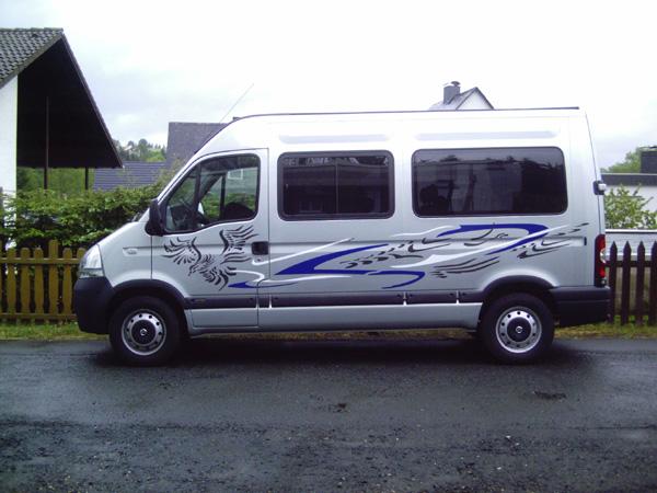 Nissan_Bus.jpg